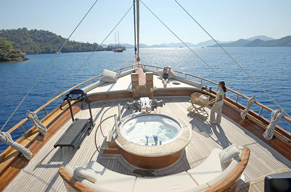 Best Places to Sail in Croatia – 7 Spots Not to Miss!