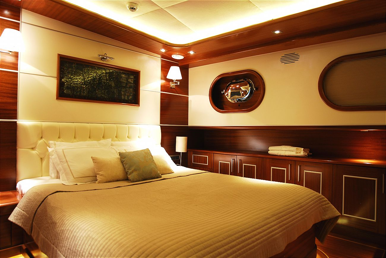 Carpe Diem IV & V, 47m / 6 cabins