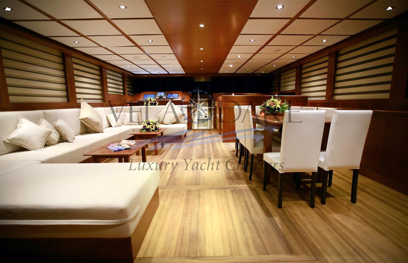 Mezcal 2, 38m / 6 cabins